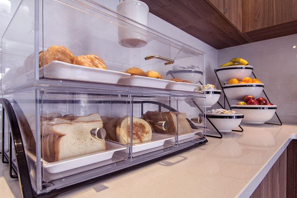 petit déjeuner comfort inn & suites saint-jérôme