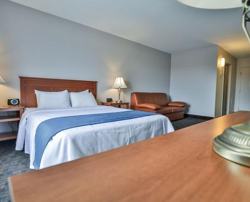 chambre classique lit comfort inn & suites saint-jérôme