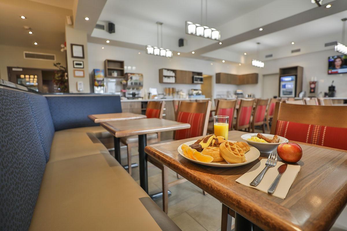 déjeuners comfort inn & suites saint-jérôme