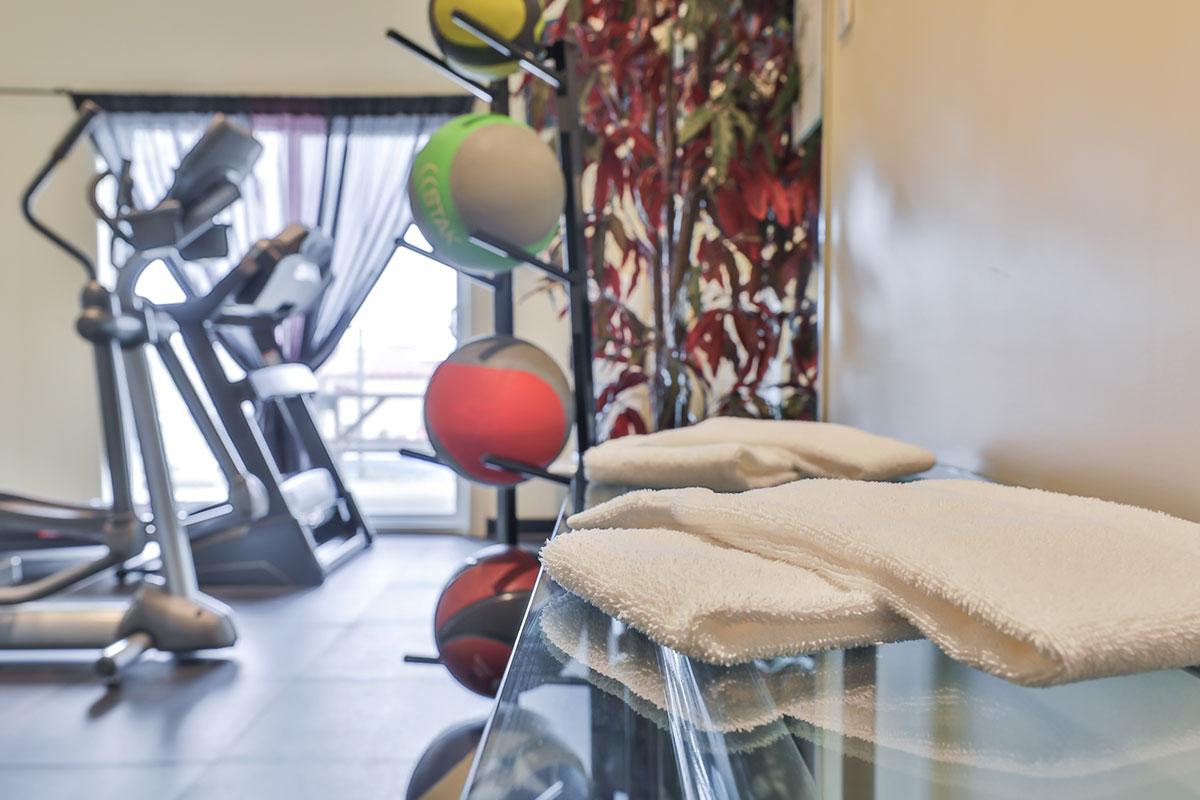salle d'entraînement comfort inn & suites saint-jérôme