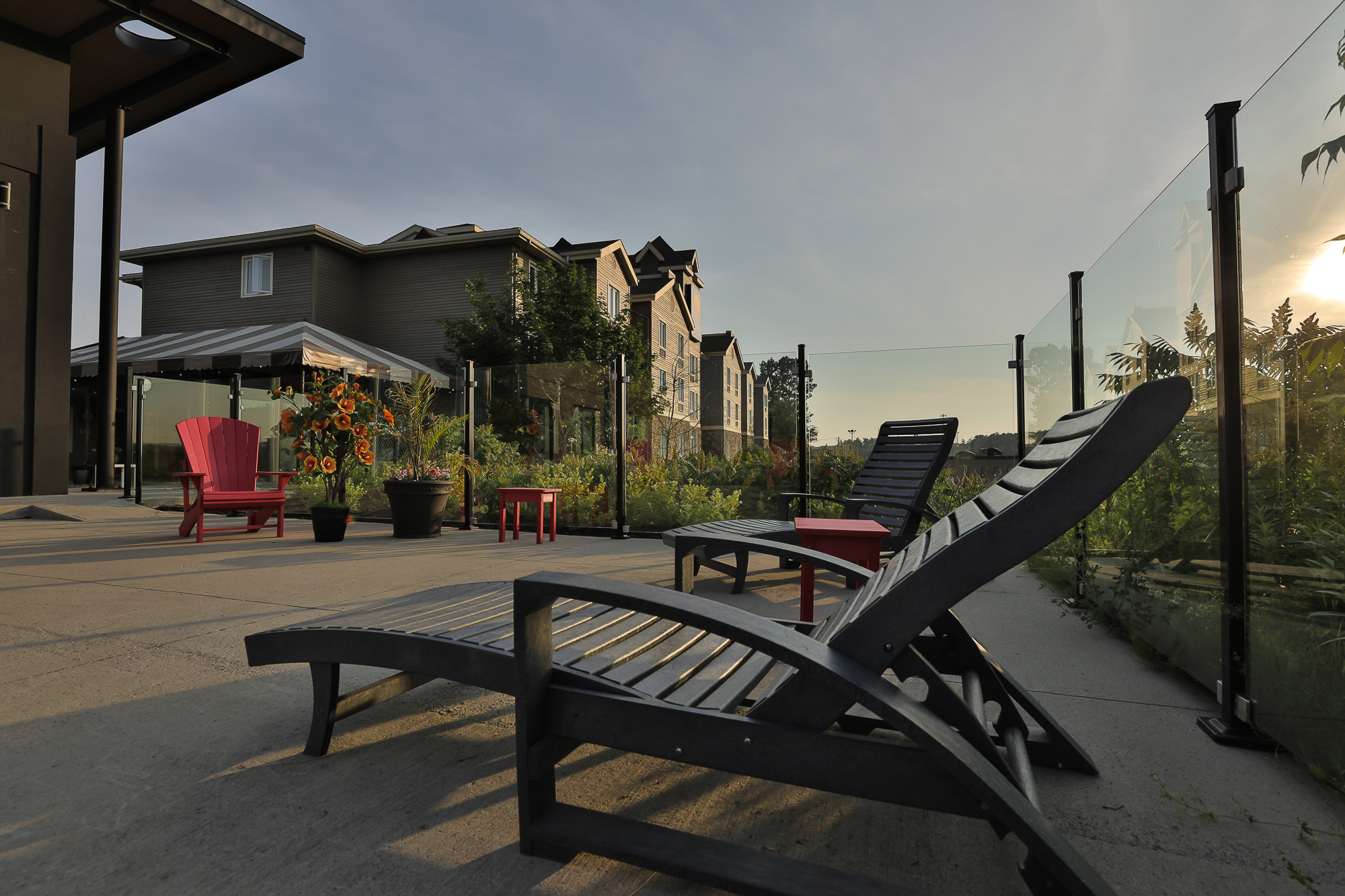 terrasse comfort inn & suites saint-jérôme